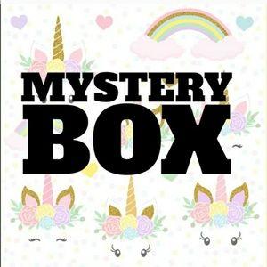MYSTERY BOX Size Small